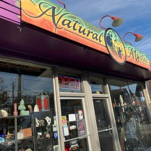 Natural Mystic, 1581 Bardstown Rd, Louisville, KY 40205, United States
